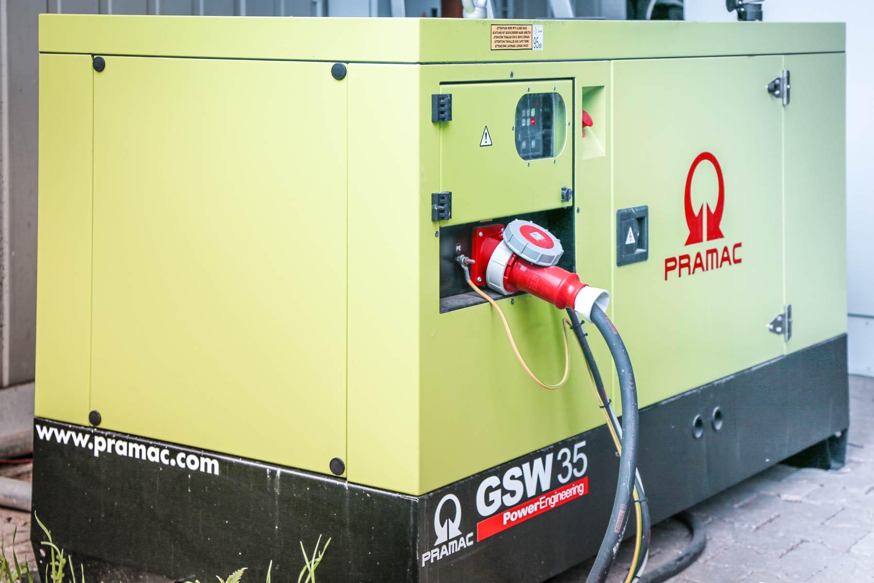 phi Hosting Jülich |Notstromgenerator Sicherheit Netzanschluss Stromausfall